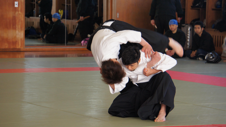 厳しい鍛錬から生まれた優れた技を格闘技、武道未経験者でも短期間で身に付けられる習得システムに